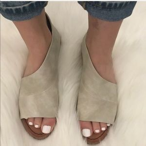Shoes - RESTOCKED!! Soft Vegan Leather Cut Out Shank Flat